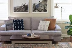 apartmenttherapy:  From Meet Cute to Marriage: Falling in Love in the Living Room — Favorite Rooms http://on.apttherapy.com/K9M5ks