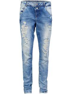 ONLY Jeans in Anti fit mit Normal waist., Used-Effekte an der Vorderpartie., Mit 2 Knöpfen und einem kleinen Reißverschluss vorn verschließbar., 2 Vordertaschen und eine Münztasche., 2 Gesäßtaschen., 5 Gürtelschlaufen., Das Model ist 176 cm groß und trägt Größe 28/34.,   98% Baumwolle, 2% Elasthan...