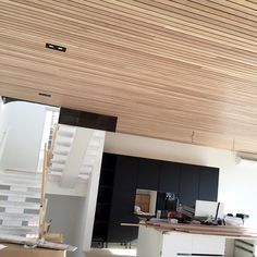 Getting there ✔️ #fivedaystogo #interior #buildingahome #newhouse #newhome #wooden #ceiling #oak #spiletak #spilehimling #hth