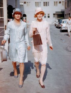 """Tony Curtis & Jack Lemmon on the set of """"Some Like It Hot"""" (1959, dir. Billy Wilder)"""