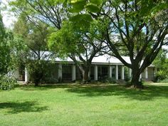 Hayfields Guest House - Hayfields Guest House is located between Johannesburg and Pretoria, in the leafy suburb of Blue Hills in Midrand. Large trees, exquisite flowers and birds surround the cottage. This peaceful country atmosphere, ... #weekendgetaways #johannesburg #southafrica