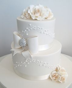 #Cakespiration - Bows with some Bling. So pretty!
