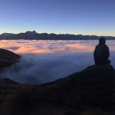 "#ispyapi #Repost from #newzealand @angelacxbx97  ""There was nowhere to go but EVERYWHERE  so just keep on rolling under the stars"" -Kerouac . . . . . . . . . #sunrise #adventureisoutthere #solotraveler #ispyapi #studentabroad #adventure #kerouac #collegeoutside #queenstown #newzealand #purenewzealand #studyabroad"