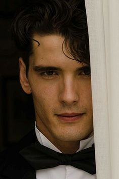 Yon Gonzalez- Actor in Spanish tv series The Grand Hotel Beautiful Men, Beautiful People, Grande Hotel, Culture Pop, Cinema, Man Crush, Cute Boys, Movies And Tv Shows, Character Inspiration