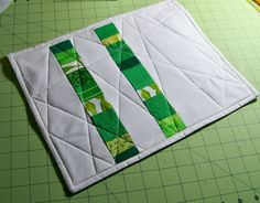 quilted placemat tutorial - love the angles of the quilting