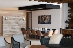Apartment KG Features Lovely Ceiling Details