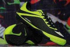 Pin Oleh Sepatu Futsal Di Sepatu Futsal Sneakers Nike Nike Air