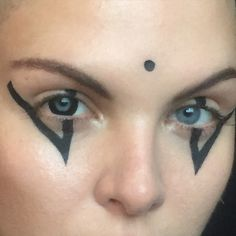 make up by anne sophie costa for @veronikavesper