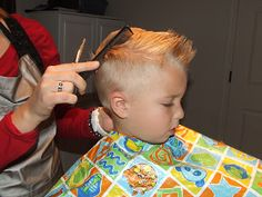I am going to give you a step by step on how to cut boys hair the professional way (not just a clipper cut). I have been a Cosmetologist fo. Kids Cuts, Boy Cuts, Boy Hair Cuts, Toddler Boy Haircuts, Haircuts For Men, Toddler Boys, Blonde Jungs, Little Boy Hairstyles, Sons