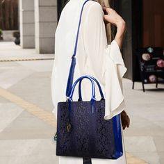 Women Snake Pattern Embossed Fashion Large Capacity Handbag 13cbb6386de02