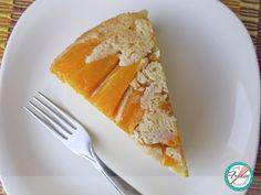 I hosted a party a few weeks ago and I served this flavorful mango upside-down cake ---- Dí una fiesta hace unas semanas y serví este Pastel Volteado de Mango