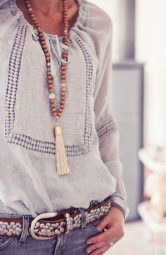 Houten sieraden vind ik altijd mooi.