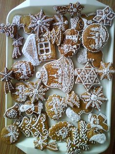 Christmas Sugar Cookies, Holiday Cookies, Christmas Baking, Christmas Holidays, Christmas Gingerbread House, Gingerbread Houses, Honey Cookies, Stained Glass Ornaments, Ginger Bread