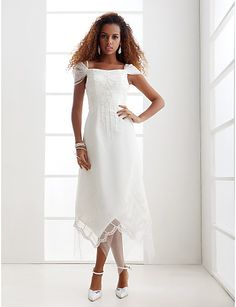 Sheath/Column Plus Sizes Wedding Dress - Ivory Asymmetrical Off-the-shoulder Organza – USD $ 109.99