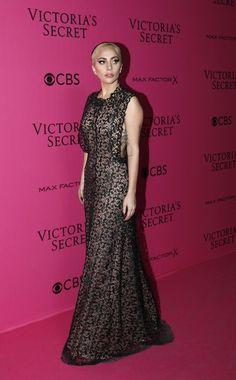 Victoria's Secret Fashion Show 2016 red carpet arrival photos - Vogue Australia