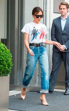 Victoria Beckham. Jeans com scarpin nude.