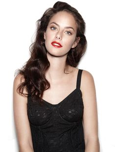 Image shared by Pri. Find images and videos about skins, KAYA SCODELARIO and kaya on We Heart It - the app to get lost in what you love. Young Actresses, Actors & Actresses, Kaya Scodelario Skins, Elizabeth Stonem, Pretty People, Beautiful People, Beautiful Women, Skins Uk, Bride Hairstyles