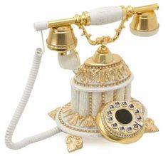 Dekoratif Antika Telefonlar Vintage Phones, Vintage Telephone, Vintage Antiques, Vintage Items, Antique Phone, Antique Typewriter, Home Phone, Mantle Clock, Phonograph