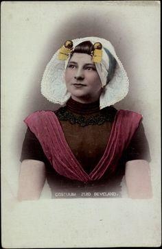 Postcard Costuum Zuid Beveland, Junge Frau in niederländischer Tracht #Zeeland #ZuidBeveland #protestant