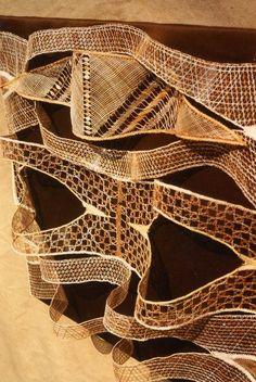 http://www.aiguilles-en-luberon.com/ Artist Marie Thérèse Bonniol Modern Lace