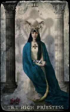 The High Priestess from the Hive Tarot deck #priestess #tarot