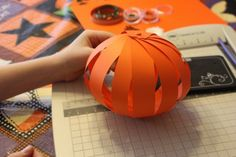 Great and easy craft for kids to make pumpkins as decorations for either Halloween or Thanksgiving!