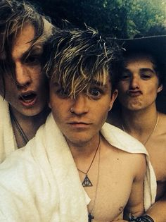 | THE VAMPS GETTING SHIRTLESS …AGAIN! | http://www.boybands.co.uk