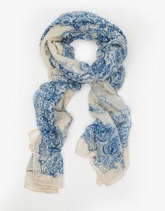 gorgeous scarf.