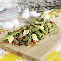 Grön sparris med lufttorkad skinka och citron Lchf, Asparagus, Potato Salad, Potatoes, Vegetables, Ethnic Recipes, Food, Lemon, Studs