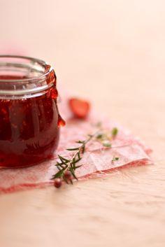 Plateful: Strawberry Jam with Redcurrant Strawberry Compote, Strawberry Delight, Strawberry Preserves, Fruit Preserves, Strawberry Jam, Strawberry Recipes, Red Currant Recipe, Currant Recipes, Fruit And Veg
