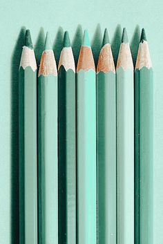 Mint Green Aesthetic, Study Room Decor, Iphone Background Wallpaper, Colored Pencils, Green Colors, Aesthetic Wallpapers, Bullet Journal, Colour, Mini