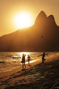 Rio de Janeiro, 40º C. by Pedro Milanez, via Flickr