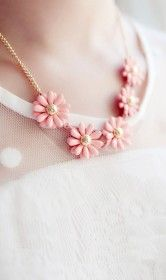 Retro candy colored daisies short necklace