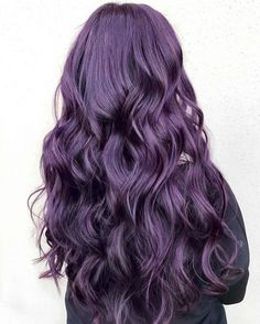 Coiffure femme 2018 : violine purple hair hair tren cheveux violets v Dark Purple Hair Color, Hair Color Shades, Ombre Hair Color, Hair Colors, Dark Violet Hair, Dark Hair, Long Purple Hair, Violet Ombre, Brown Hair