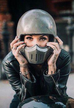Rocker/Biker babes Visit daily for custom motorcycle apparel Bobber & chopper b. Lady Biker, Biker Girl, Cafe Racer Casco, Simpson Helmets, Blitz Motorcycles, Allroad Audi, Motos Harley Davidson, Cafe Racer Honda, Cafe Racer Helmet