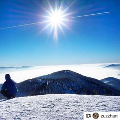"Byť ""nad vecou"" nemusí byť metafora  #praveslovenske od @zuzzhan  Suchy vcera nebol az taky ""suchy"" #slovensko #malafatra #slovakia #suchy #magura #turiec #winter #snow #mountains #inversion #sky #sun #landscape #hill #nature #clouds #hiking #trees #forest"