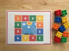 ¡Construye una ciudad contando ladrillos LEGO DUPLO! Mis niños disfrutaron mucho esta actividad en donde tuvieron la oportunidad de construir pequeños edificios contando sus ladrillos LEGO. La actividad fue tan entretenida que ni siquiera se dieron cuenta de que estaban reforzando destrezas matemáticas …