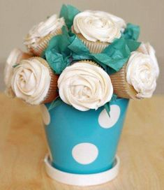 What mother wouldn't love flowers made of cupcakes! Yum! #GiftsforMom