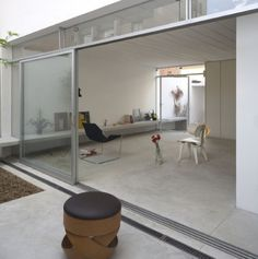 Casa Cubo Brasil  fachada interior y salon