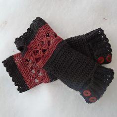 free crochet pattern: autumn wristwarmers - from crochetat70degreesnorth