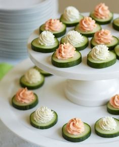 How To Host A Shower Brunch Cucumber Bites with Smoked Salmon Mousse and Herbed Cheese Bridal Shower Brunch Menu, Bridal Shower Appetizers, Baby Shower Brunch, Food For Bridal Shower, Shower Party, Easy Wedding Shower Food, Baby Shower Food Menu, Brunch Party, Tea Party