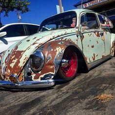 Slammed Vw beetle Volkswagen Karmann Ghia, Volkswagen Bus, Vw Cars, Pedal Cars, Vw Wagon, Vw Rat Rod, Kdf Wagen, Rat Look, Rusty Cars