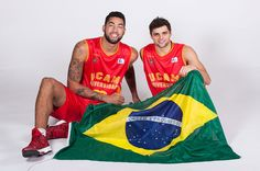 La 'samba pimentonera' ya asombra. Mira qué números y cómo lo celebran... (Vídeo) - @KIAenZona #baloncesto #basket #basketbol #basquetbol #kiaenzona #equipo #deportes #pasion #competitividad #recuperacion #lucha #esfuerzo #sacrificio #honor #amigos #sentimiento #amor #pelota #cancha #publico #aficion #pasion #vida #estadisticas #basketfem #nba