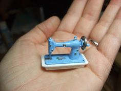 Description of assembly of '50s sewing machine kit (Lutjebeudel) Useful details for DIY | My Willowcrest Blog