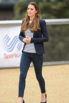 Auch Herzogin Kate zeigt sich gerne im Casual-Look und greift dafür zum Streifenshirt