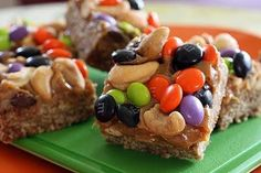 Halloween Recipes : Oatmeal Caramel Squares