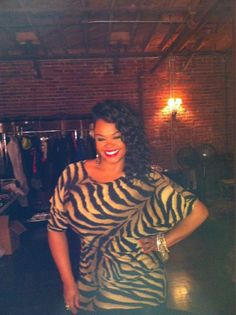 Jill Scott Absolutely Beautiful. I love her Confidence I admire her.