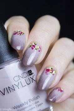 (off white base instead) #confetti  #nails