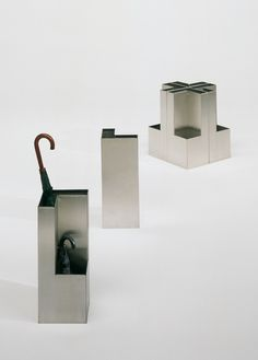 plec umbrella stand - accessories and lighting - Producto BD Barcelona Design Small Furniture, Fine Furniture, Contemporary Dressing Tables, Small Umbrella, Umbrella Holder, Umbrella Stands, Modern Stools, Aluminum Table, Modern Side Table