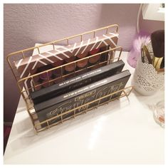 Target Dollar Spot Wire Organizer for Makeup Storage What Does this Fun Find have to do with Makeup Storage? I used this Target Dollar Spot Wire Organizer for DIY Makeup Storage on my vanity! Makeup Storage Target, Diy Makeup Storage, Make Up Storage, Storage Ideas, Storage Cart, Storage Boxes, Storage Drawers, Makeup Display, Makeup Drawer